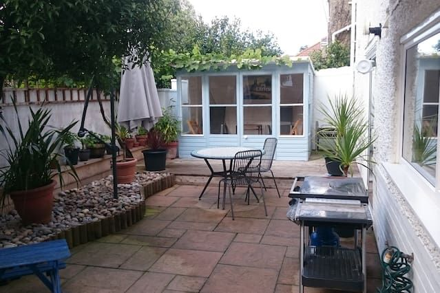 Driftwood Garden Apartment Southbourne