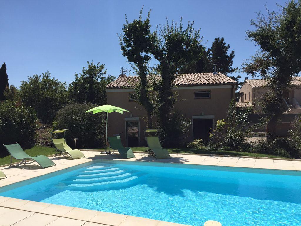Vivienda de 76 m² con piscina