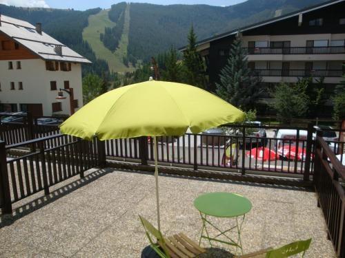 Piso en Auron con balcón