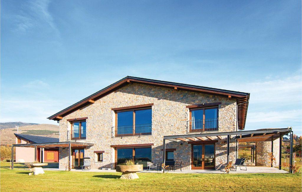 Familiar alojamiento de 1200 m²
