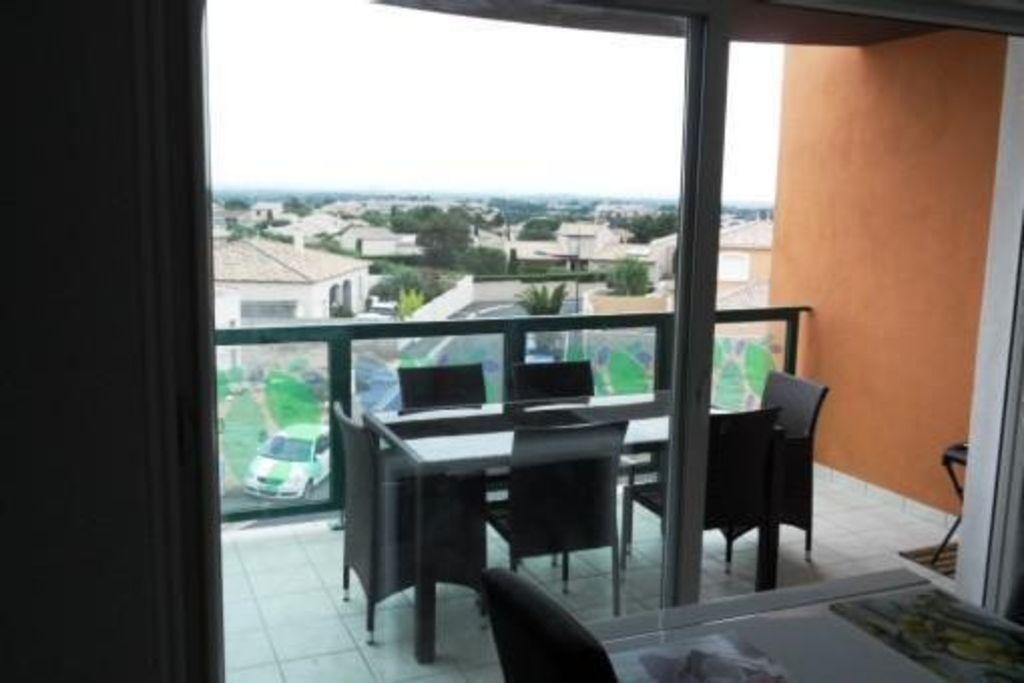 Vivienda en Hérault con balcón
