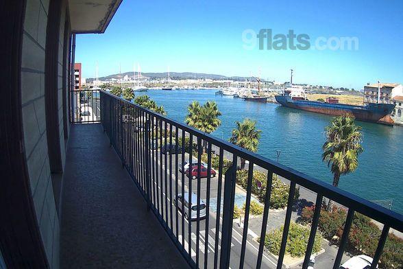 Vivienda con balcón para 6 personas