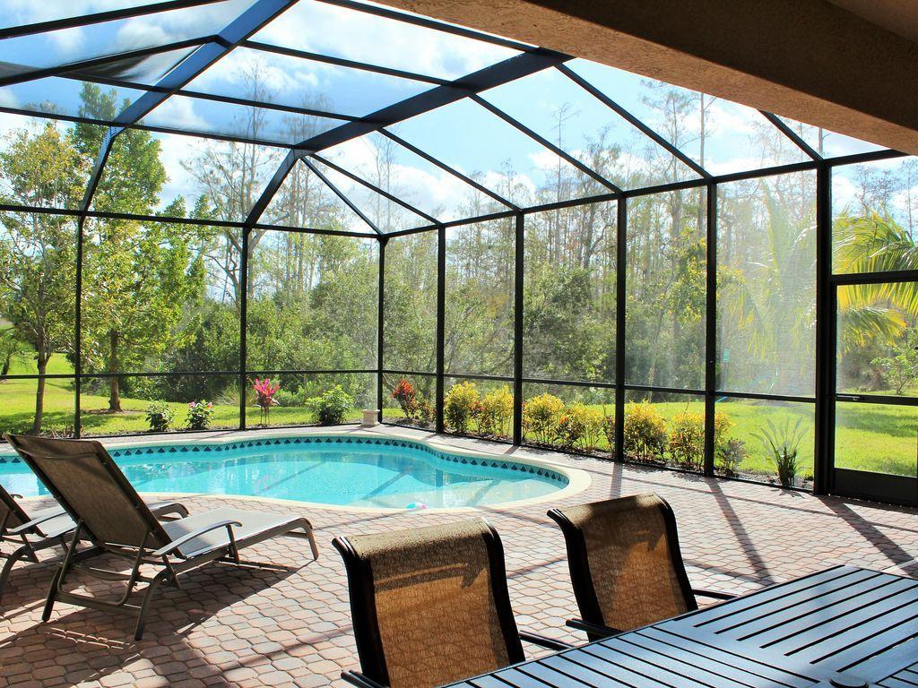 350m² Exclusivo piscina Villa en comunidad cerrada