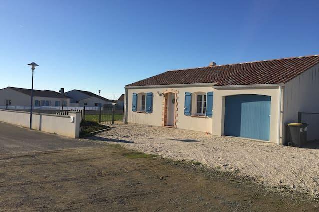 Residencia con parking incluído en Brem-sur-mer