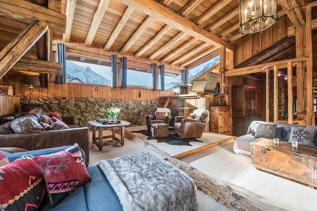 Residencia con balcón de 5 habitaciones