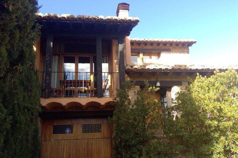Casa en Mora de rubielos con jardín