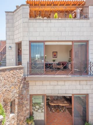 NEW Mexican Modern Studio-Privacy,Comfort & Style