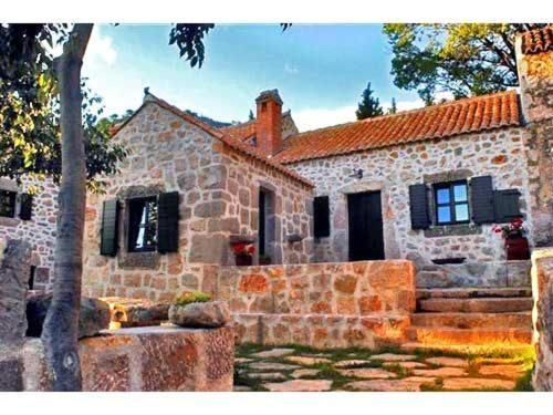 Equipada casa en Starigrad-paklenica