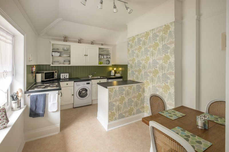 2 Bed Apartment in the Luxurious Clarence House