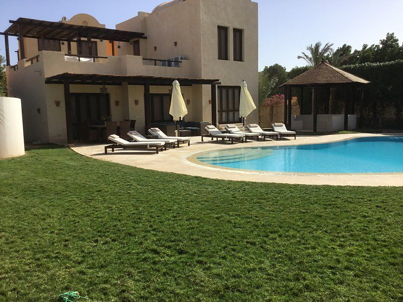 Extremely private villa/own pool - sleeps up to 9