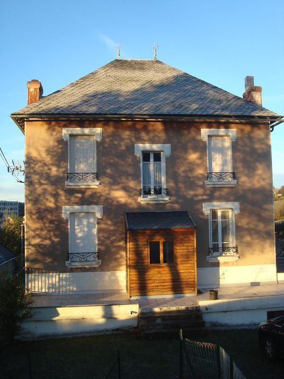 Alojamiento de 300 m² en Murat-le-quaire