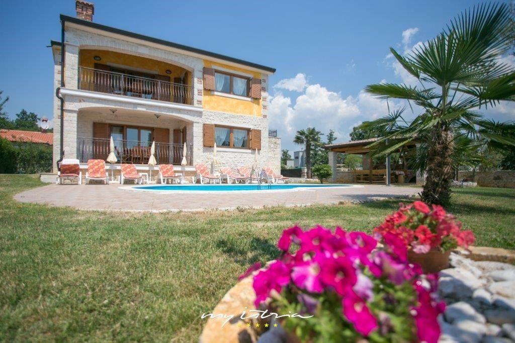 Casa con piscina en Porec