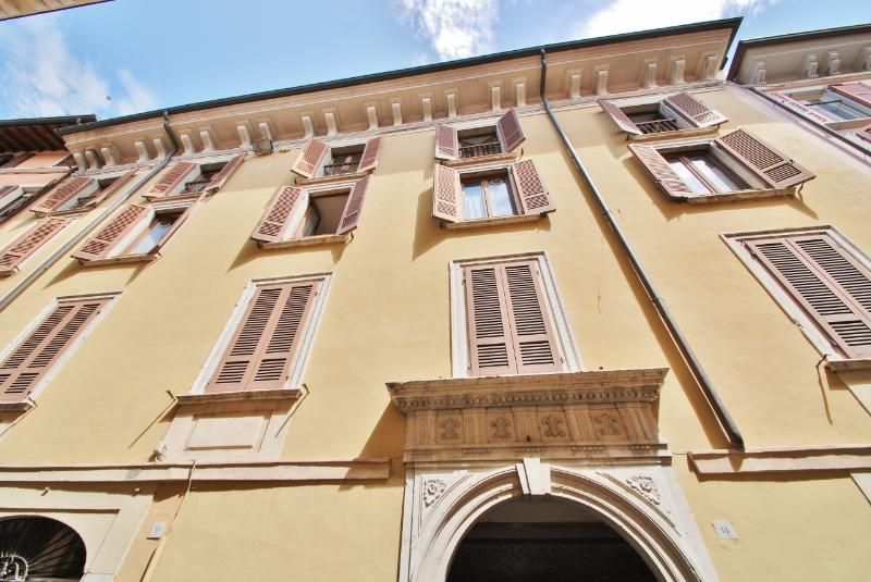 Spacious flat Salò Lake Garda