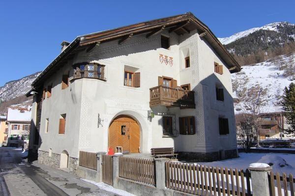 Residencia con parking incluído de 2 habitaciones