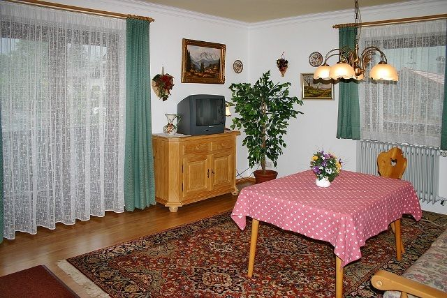Haus Regina Ferienwohnungen und Gästezimmer - Ferienwohnung 1