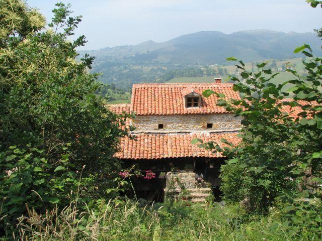 Hébergement pour 3 voyageurs à La cavada