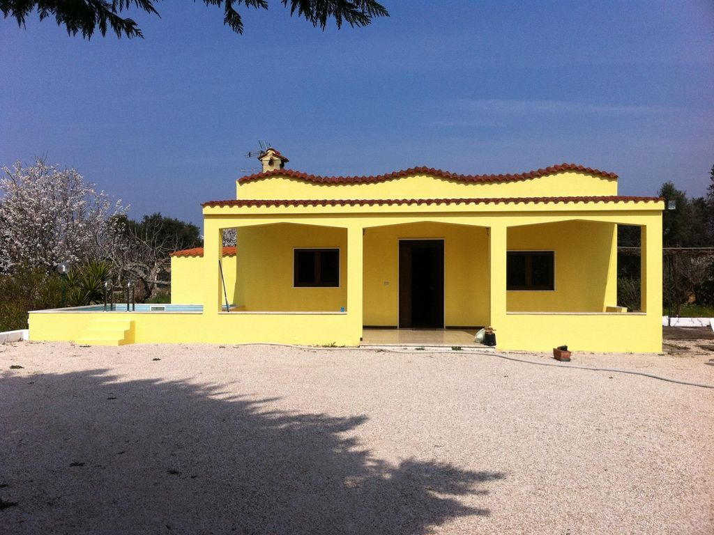 Casa de 90 m² en San vito dei normannie