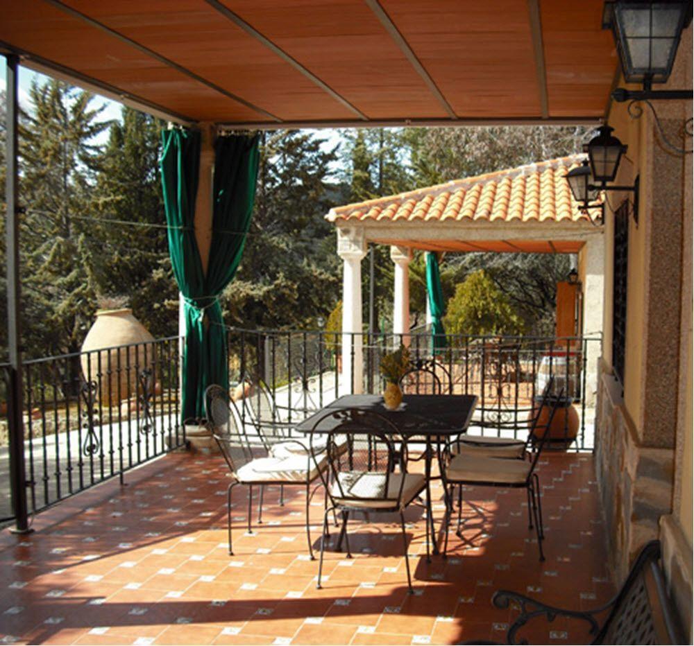 Vivienda con piscina en Almuradiel