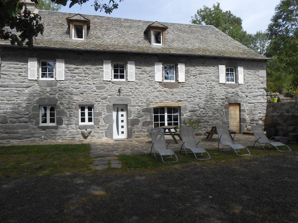 Alojamiento para 11 personas en Curières