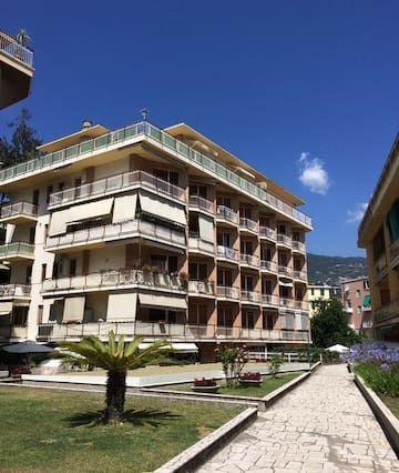 Sanremo, espacioso y tranquilo apartamento situado a 10 minutos del mar