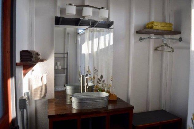 Salle de bain - maison près d'un volcan