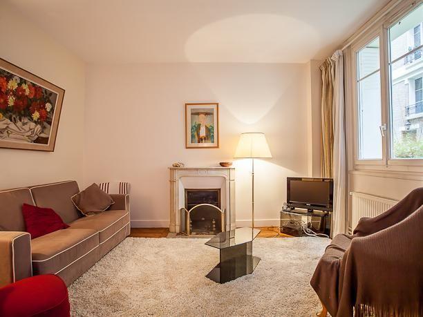 Pintoresco apartamento vacacional en parís con  sábanas y toallas