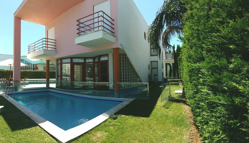 Casa de 280 m² con jardín