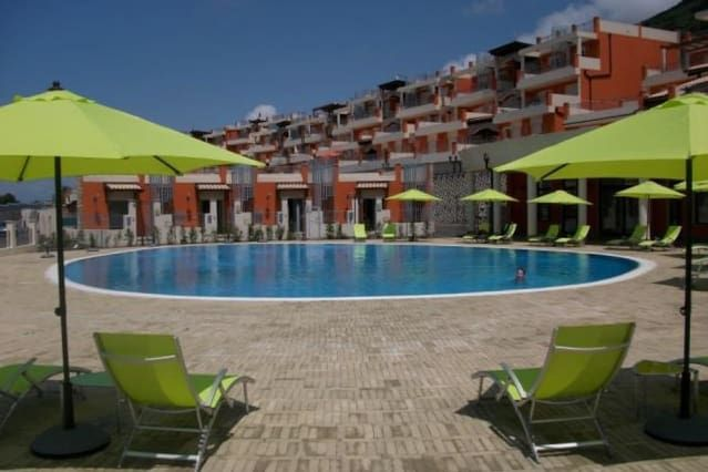 Vivienda con piscina en Pizzo