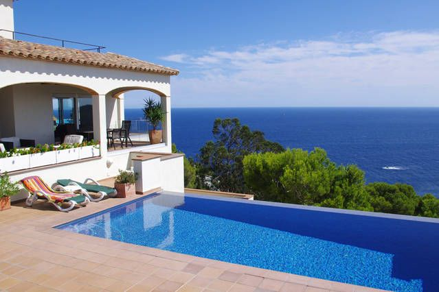 Picturesque rental in Costa brava with Cable TV and TV