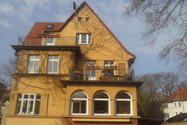 Apartment mit 1 Zimmer in Halle an der saale