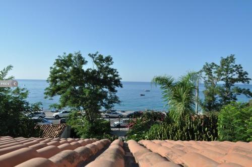 Residencia en Bova marina con parking incluído