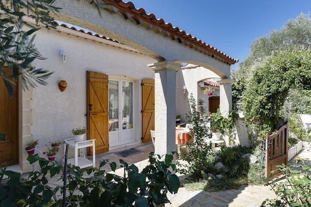 Casa en Baillargues con jardín