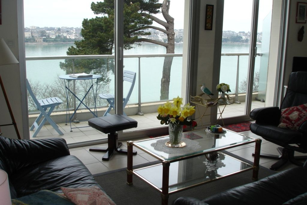 With views 60 m² apartment