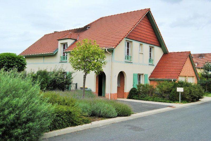 Alojamiento de 4 habitaciones en Montévrain