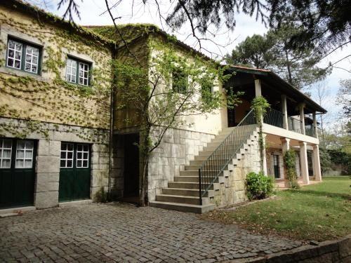 Funcional residencia con balcón