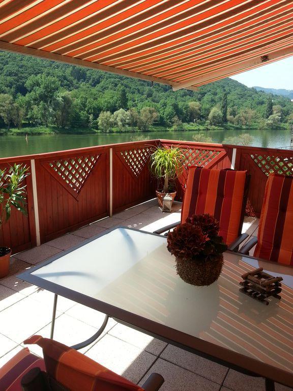 Alojamiento práctico con balcón