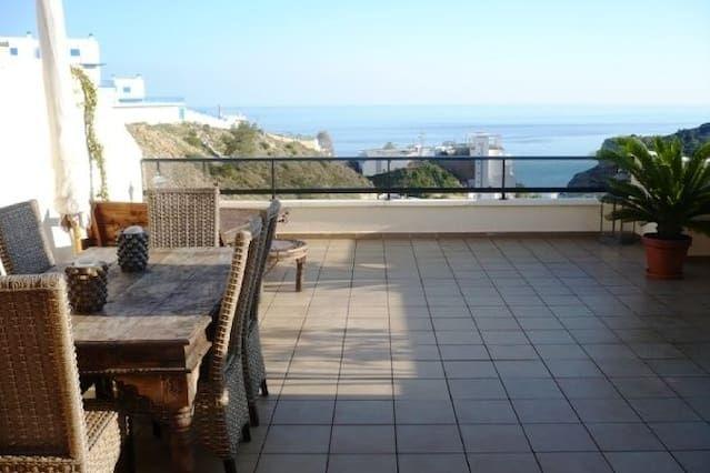 Precioso apto con vista y piscina junto a 4 playas