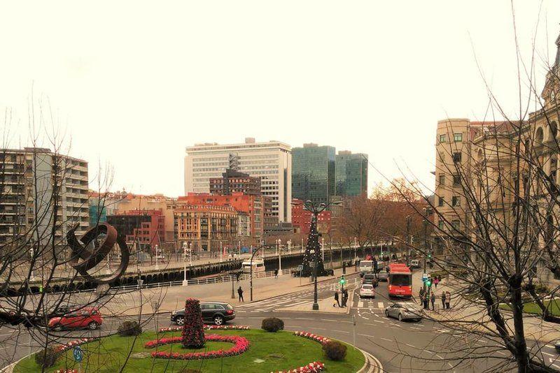 Vivienda con balcón en Bilbao