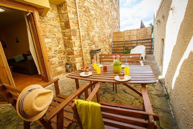 Alojamiento en Piñuécar con jardín