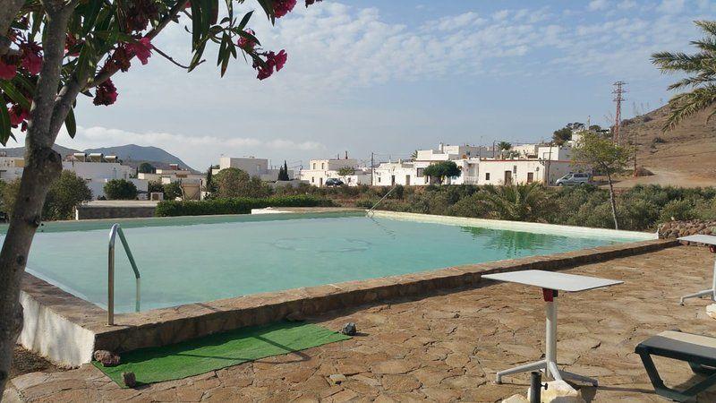 Casa con piscina en Pozo de los frailes