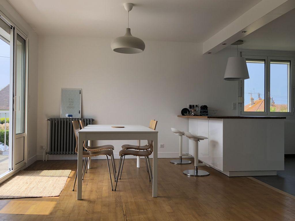 Provista residencia de 95 m²
