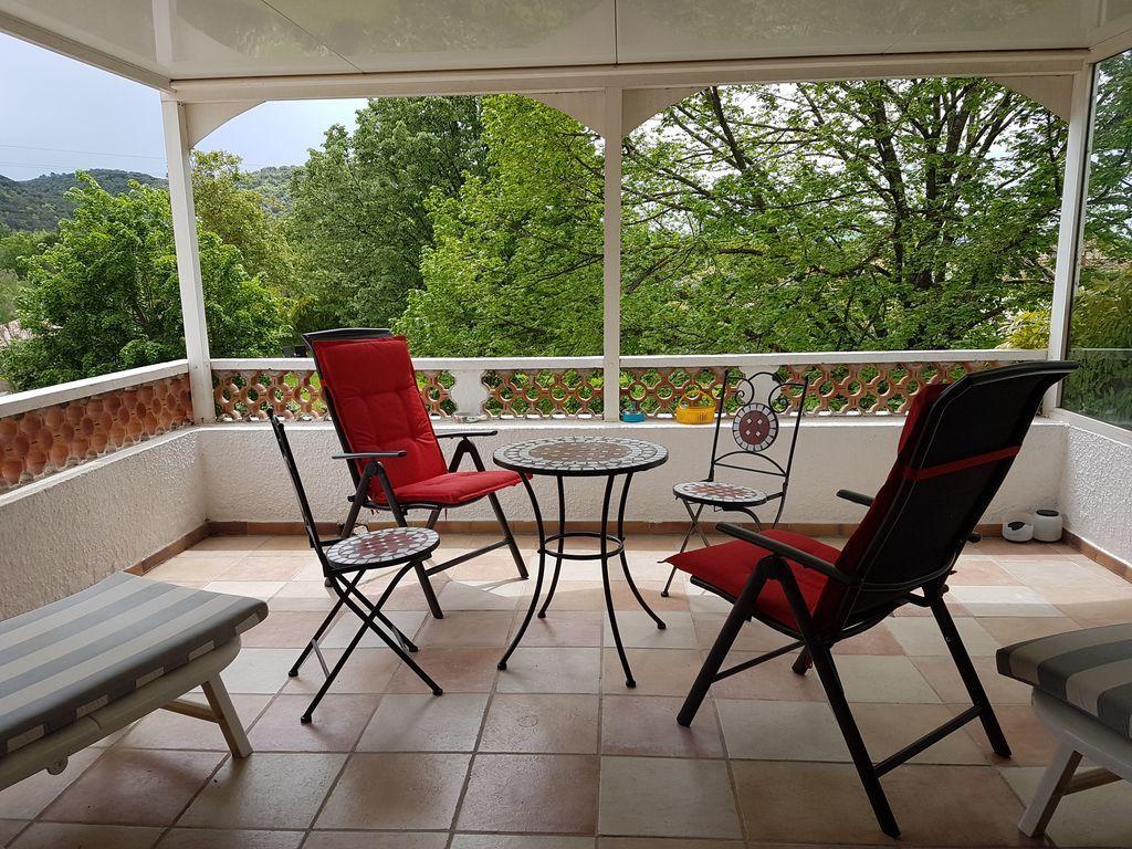 Alojamiento en Greoux les bains de 1 habitación