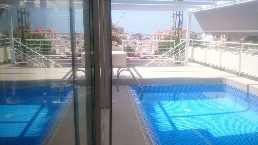 Familiar alojamiento con piscina