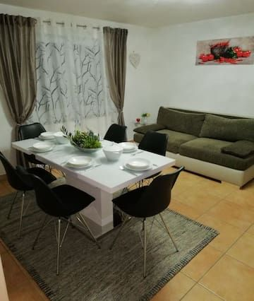 Fitted holiday rental with 1 room