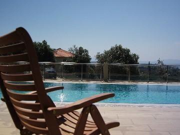 Villa pintoresco, con 4 dormitorios, 4,5 baños con piscina en 1. 5 acres olivar