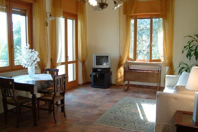 Amplio apartamento cerca de Acqui Terme