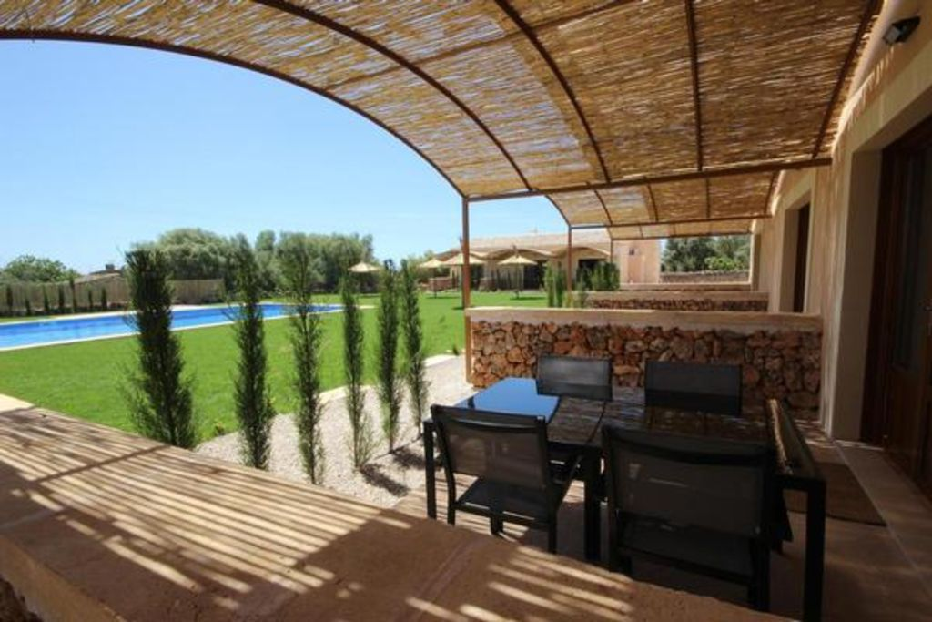 Holiday rental with 1 room and swimming pool