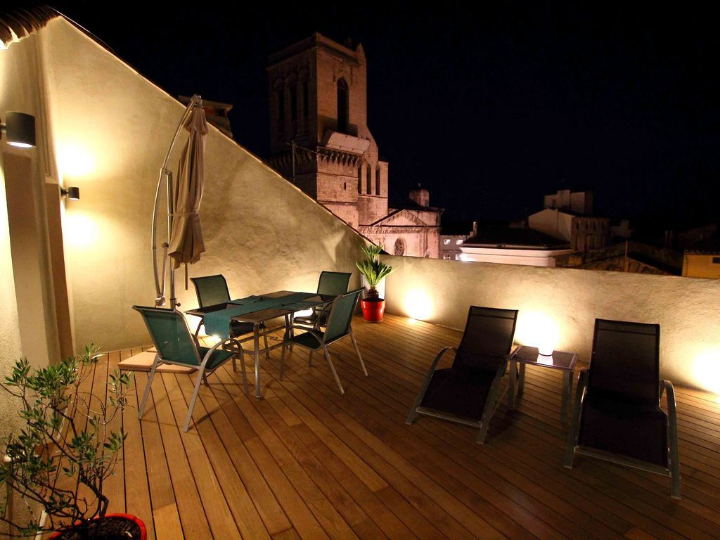 Alojamiento de 1 habitación en Nimes