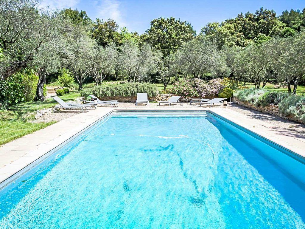 Casa de 11 habitaciones con piscina