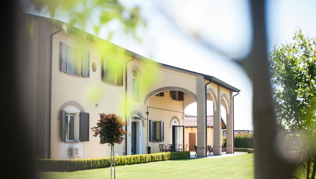 Alojamiento de 10 habitaciones en Parma